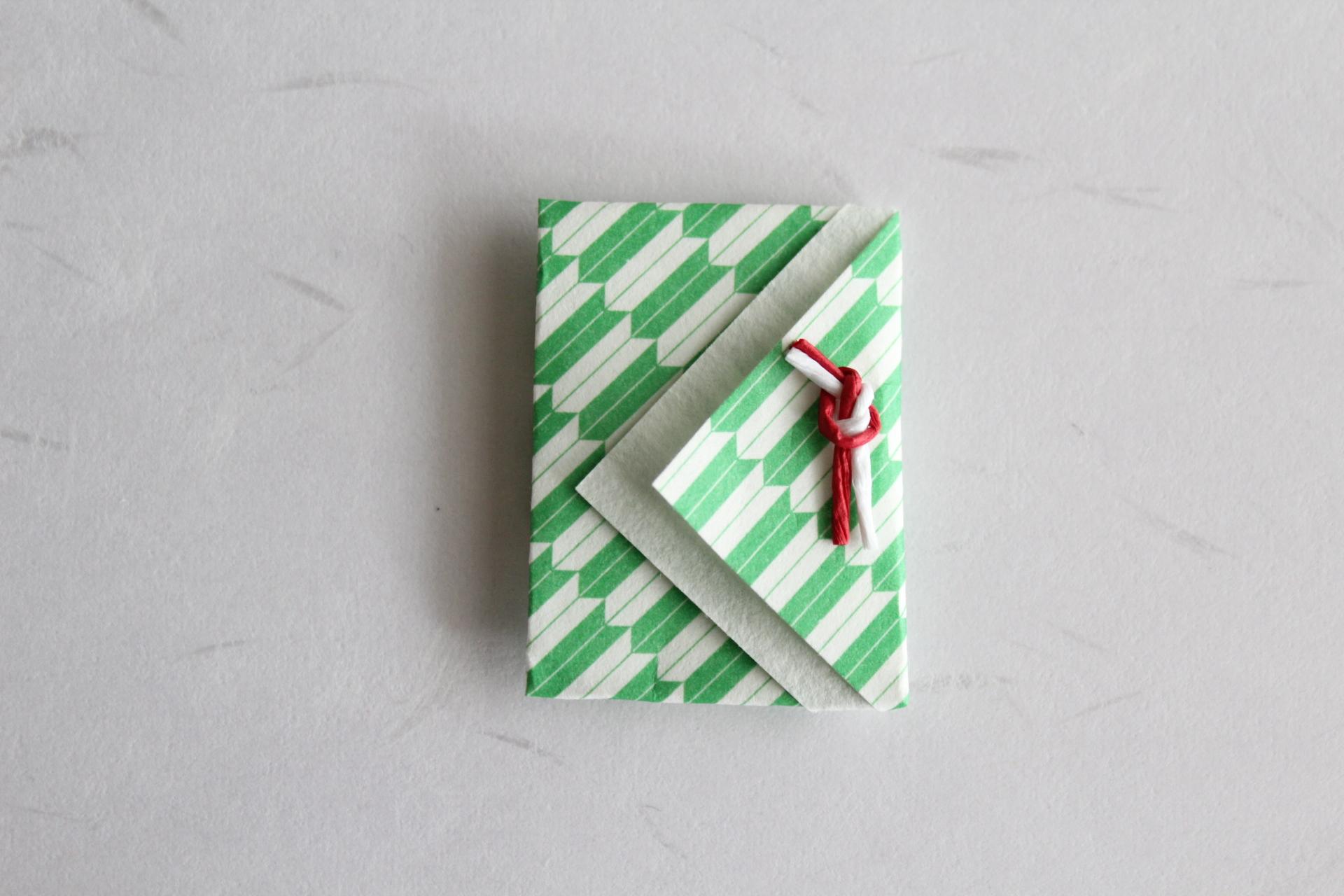 三角デザインのお年玉袋
