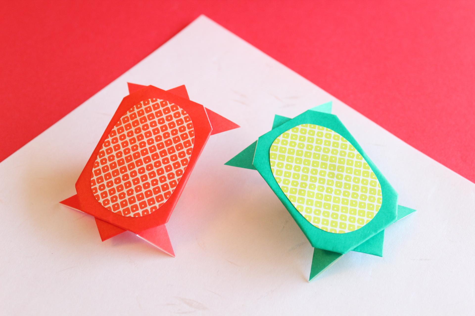 祝い亀を折り紙で飾り付け