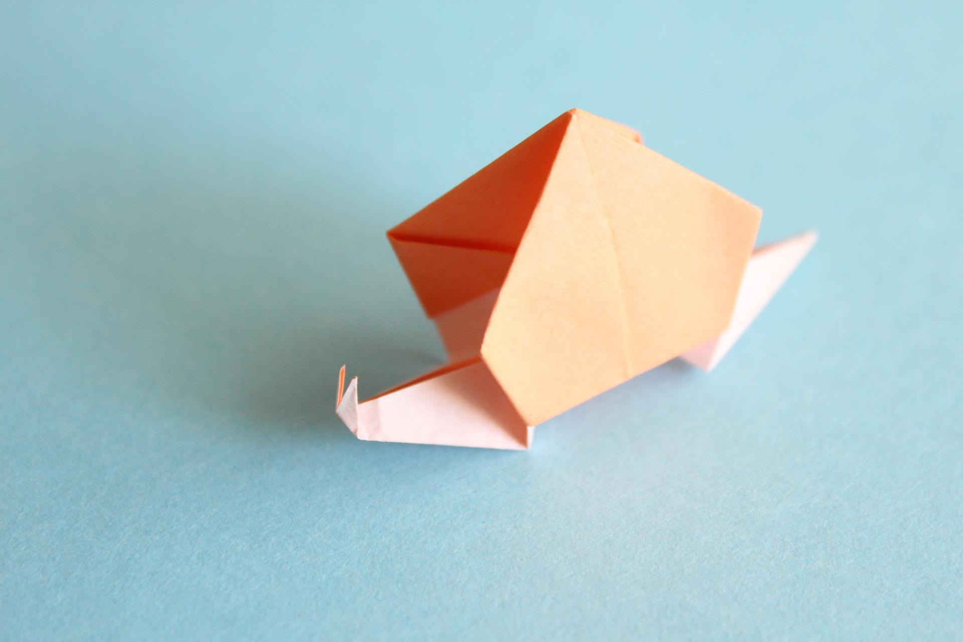 カタツムリの折り紙