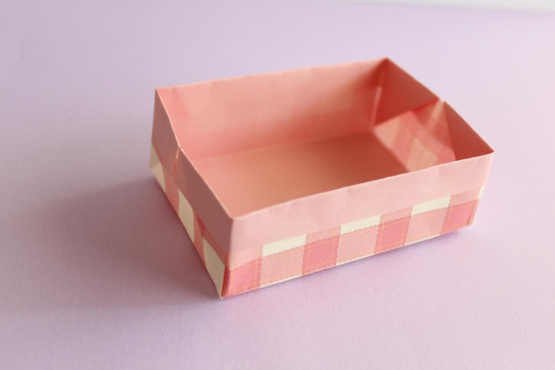 折り紙で大きなboxの折り方