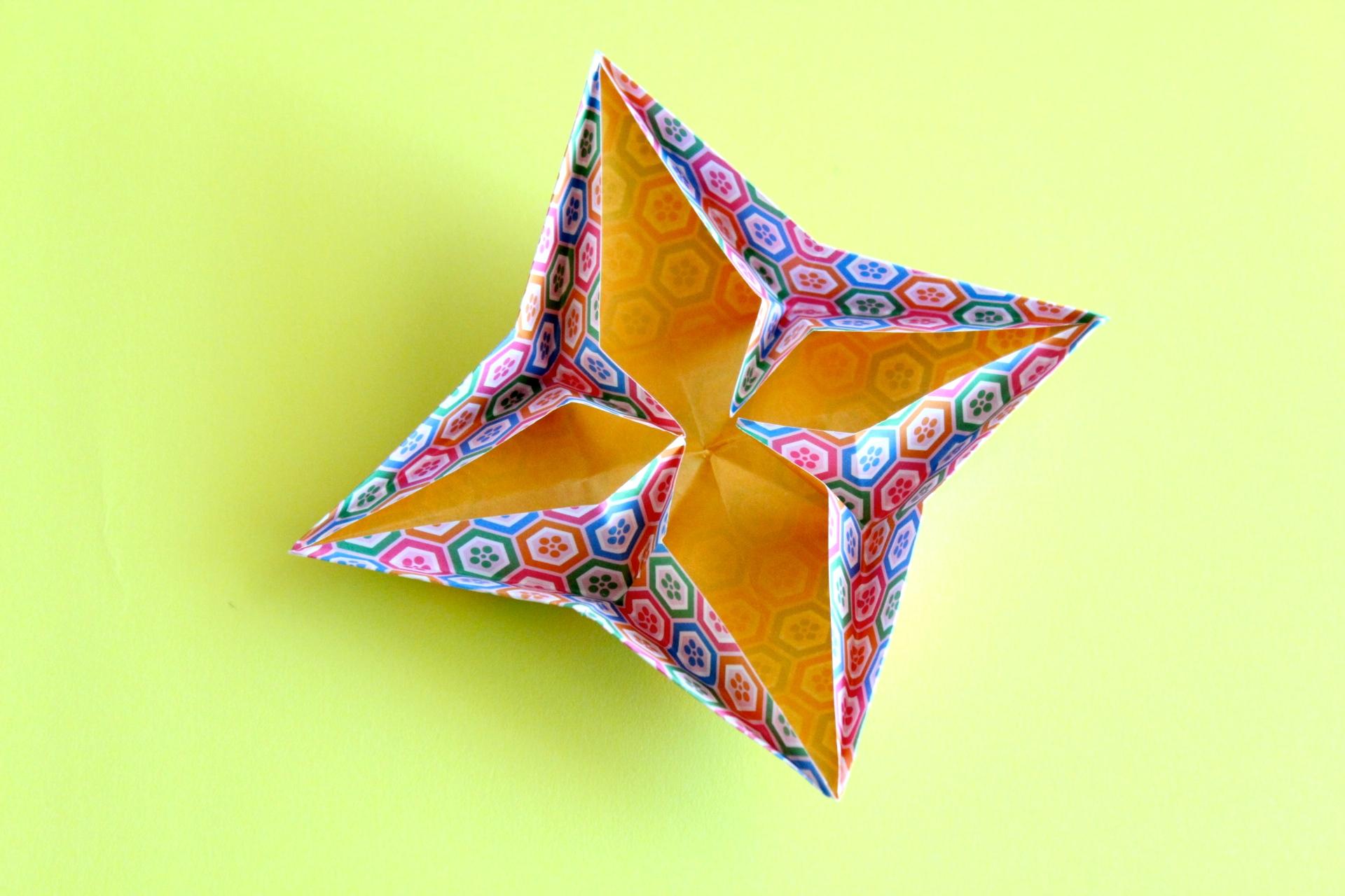折り紙で菊のお皿の折り方