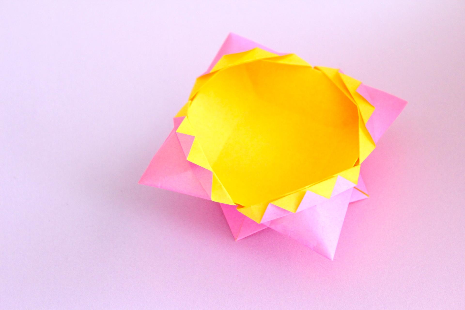 折り紙でギザギザの箱の折り方