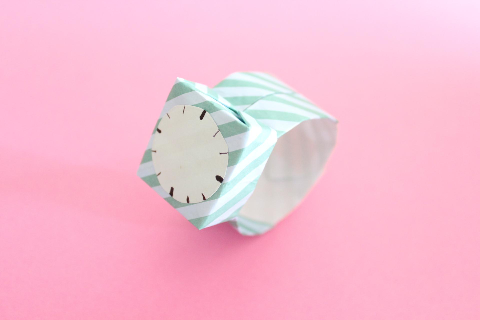 折り紙で腕時計の折り方